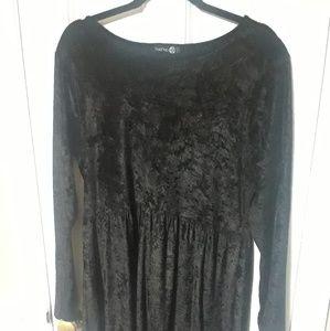 Boohoo black velvet babydoll dress